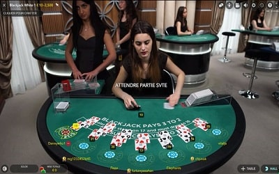Blackjack avec croupier en direct en 2020